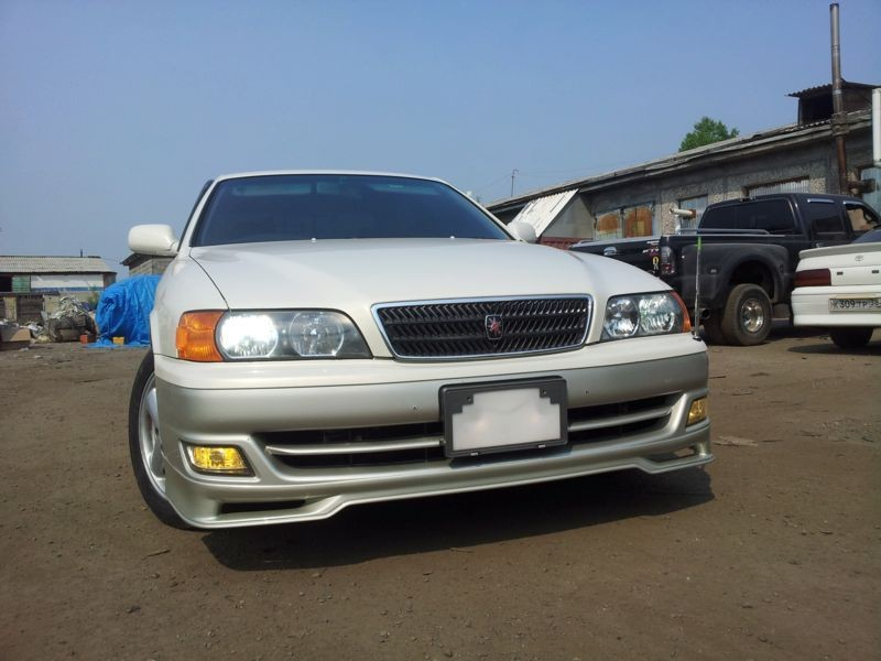 Pad on the front bumper (stock) Toyota Chaser (100)