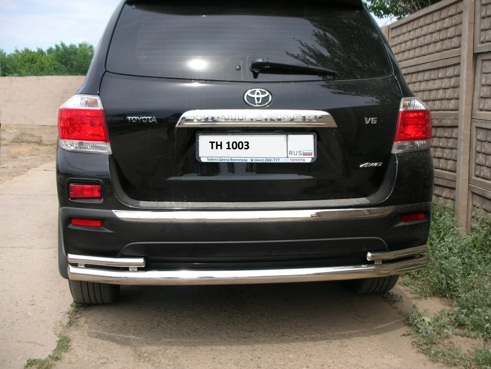 Protection of the rear bumper tube double Toyota Highlander (2010 - 2012)