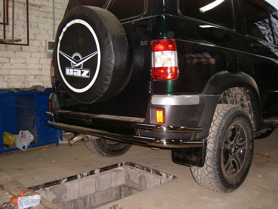 Protection of rear bumper pipe with corner protection UAZ Patriot (2005)